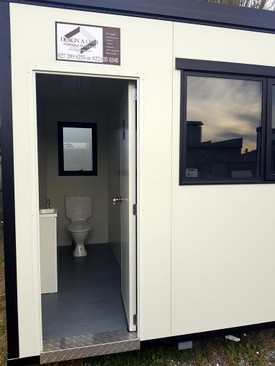 Design-A-Com-with-outside-toilet-view.jpg